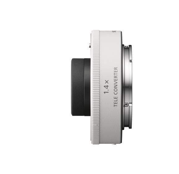 SONY 1.4X Teleconverter Black            Full Frame E mount