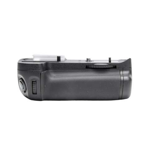 ProMaster Vertical Power Grip Nikon D7000